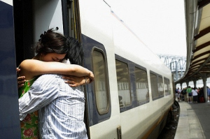 couple-goodbye-hug-love-miss-you-Favim.com-141663