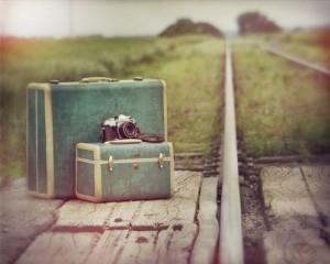camer-camera-suitcase-train-track-Favim.com-198180